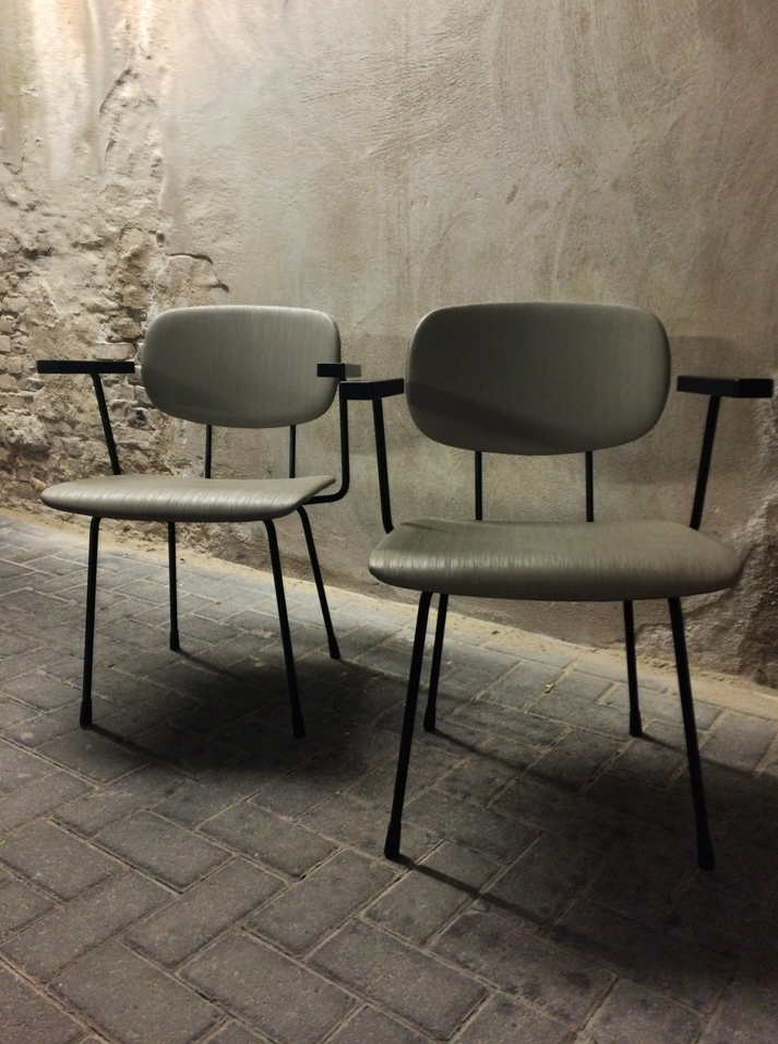 Industrial chairs wim rietveld gispen lev lifestyle - Stoelen rock en bobois ...
